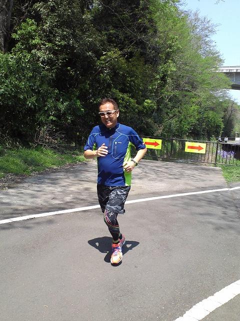 群馬の高崎市トライアスロン協会主催の2014/04/26(土) 1期第6回チャレンジはるトラ大渡温水プールの練習風景