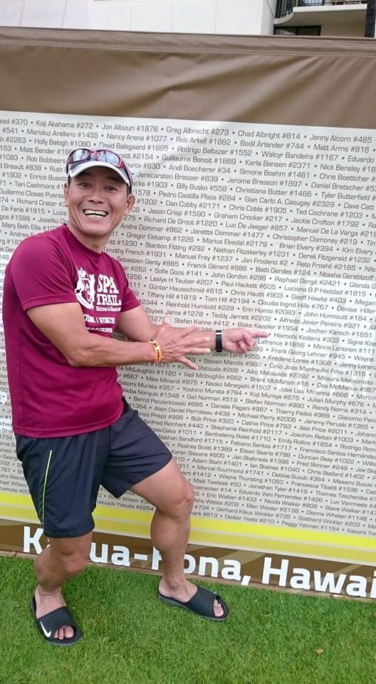 選手全員の名前が書いてあるアイアンマンボードの前で♪