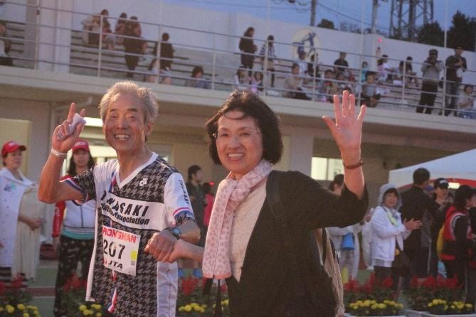 2016宮古島トライアスロン 完走後の安堵の笑顔!